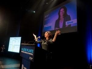 Valérie Plante pendant son discours devant ses partisans